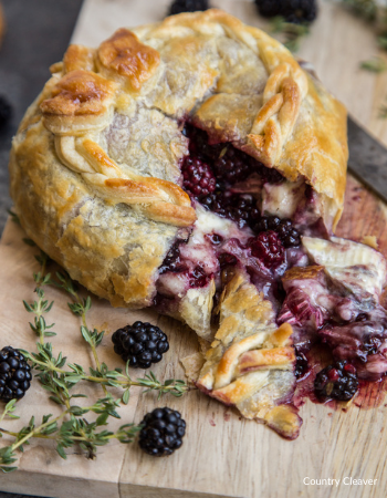 Blackberry Thyme Baked Brie  country cleaver